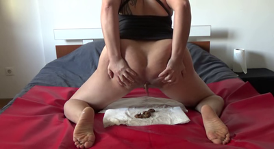 72440 - Mistress Roberta - Preparing breakfast in bedroom bed-pov