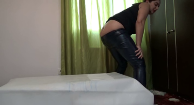 74495 - Mistress Roberta - Shitting in my ecological leather pants -pov