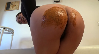 76566 - Mistress Roberta - Lick clean my beautiful ass of diarrhea-pov