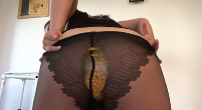 76954 - Mistress Roberta - Black pantyhose with creamy shit for breakfast-pov