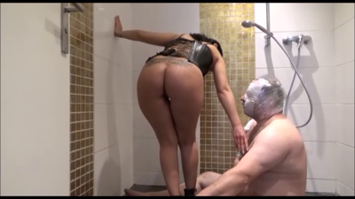 79390 - Lady Niky -Hard fisting golden shower and spitting part 2