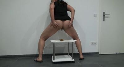 80981 - Mistress Roberta -Farts, panties , corn shit-pov