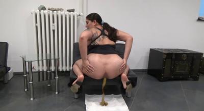81057 - Mistress Roberta - Hard and soft  special dinner-pov
