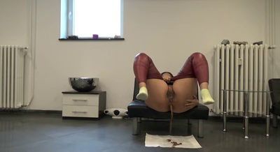 81179 - Mistress Roberta -Double portion of diarrhea for breakfast-pov