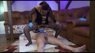 87976 - Mistress Roberta -Spoon feeding after serving part 2