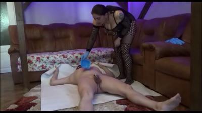 88028 - Mistress Roberta -Spoon feeding after serving