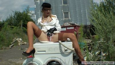 68026 - The White giant Girl sex on The washing machine Part 1