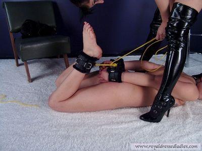 77327 - Sado Mannequin Slave Doll Rubber Latex Bondage