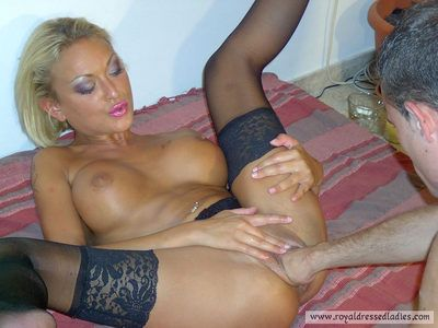 77379 - French blonde lingerie bitch fisting