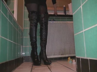 71246 - Pissed Part 1 Boots movie pee piss boots