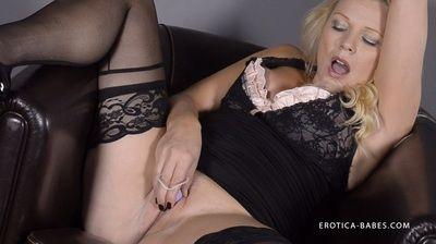 72332 - Abigail Toyne Balls of fun