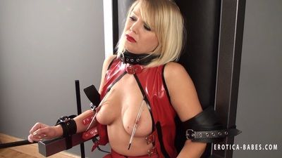 72351 - Abigail Toyne throne struggle