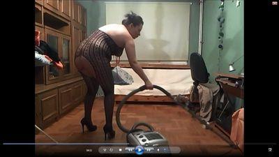 85131 - Voyeur clip-clean my living room