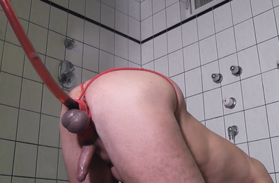 81419 - Slave ass gets red enema
