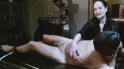 84879 - Tickling torture 1 - the stretching bench