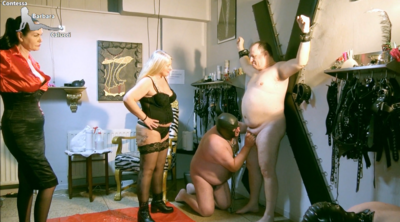 85767 - Slave made by mistresses to blow cock