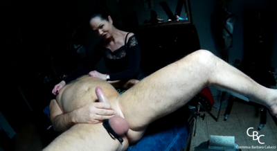 88970 - Fist in the ass and wanked off