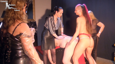 89883 - Anal training for the slave