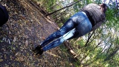 98257 - Desperate in the Park - Jeans Wetting