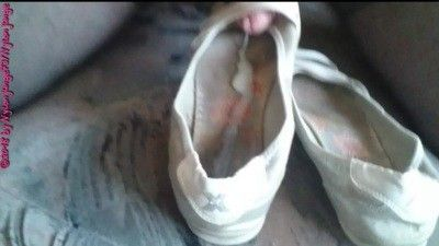 90442 - Worn Ballerinas FUCK ** FAN Video **
