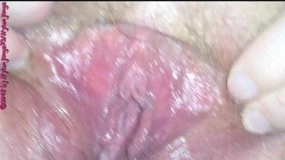 95720 - BBW slut masturbates with carrot in the asshole ** Date **