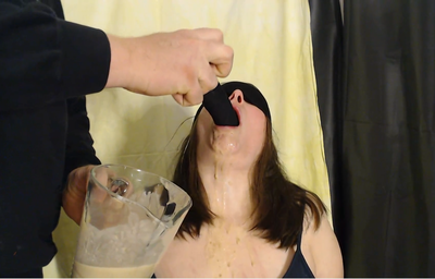 86654 - Feeding slavegirl with slave-food