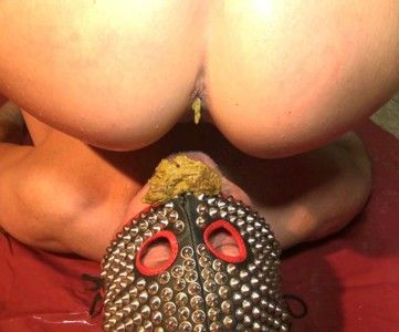 89297 - Slave shit in the mouth