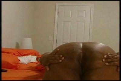 6331 - Bare Ass Farts