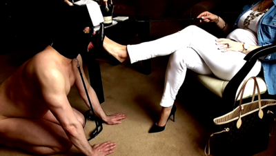 93132 - Goddess Shoe and Foot Worship