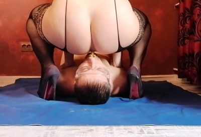 114764 - Ballbusting and scat with bag on head
