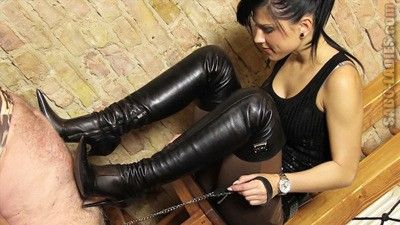 112974 - Hard Torture With Boots