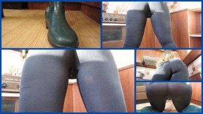 122828 - Urine with yoga pants