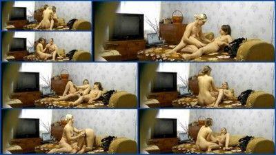122999 - Lesbian games 10
