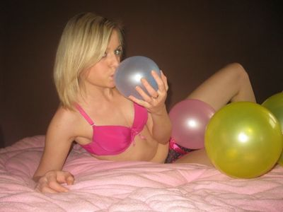 4359 - Pumping of colorful balloons :)