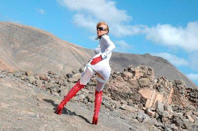 8585 - Nanalou in red leather boots & gloves @ Vocano Lanzarote