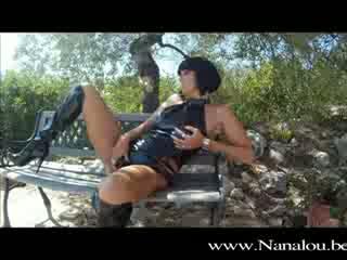 8589 - Nanalou kinky outfit  a swimmingpool