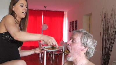 35063 - Shit feeding ny Princess Nikki