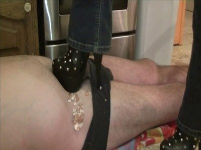 15959 - A small session of crushing. Clip 50.