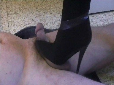 17508 - Valérie wants to test the new boots of Madam ! Clip 114