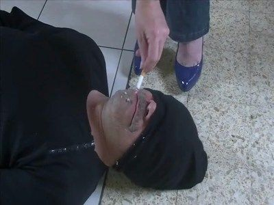 23697 - Man ashtray or cleaner of shoes - Clip 168.