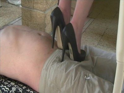 24637 - A man doormat under my vertiginous heels ! Clip 189.
