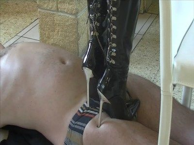 24825 - My new boots only for you ! Clip 196.