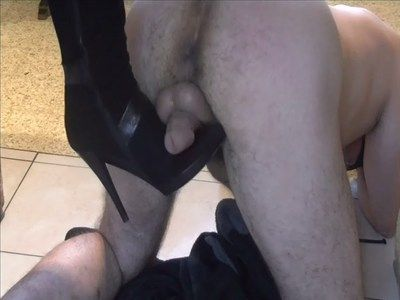 27320 - Seller of shoes or Mistress