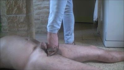50074 - A big pig under my dirty soles !