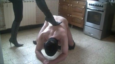65668 - You like the knocks slave ? OK ! Part 2
