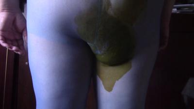 95609 - Oxana: Nylon Poop Servant