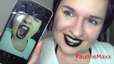 62723 - Black lipstick+selfie taking+teeth showing