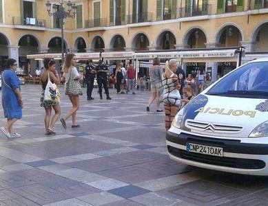76654 - Bondage in Public •Mallorca: Plaça Major