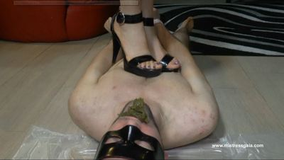 27231 - MISTRESS GAIA TRAMPLED AFTER SCAT