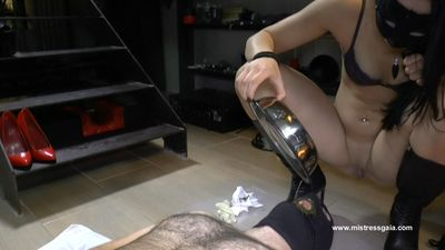 29300 - MISTRESS GAIA - EVERYTHING IN HIS MOUTH